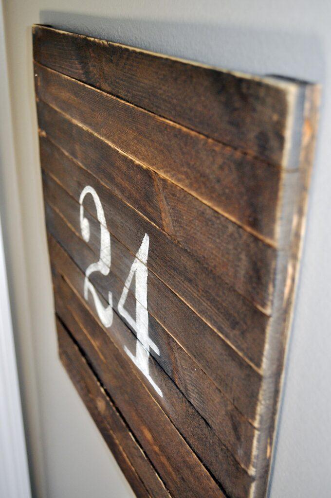 a24sign11