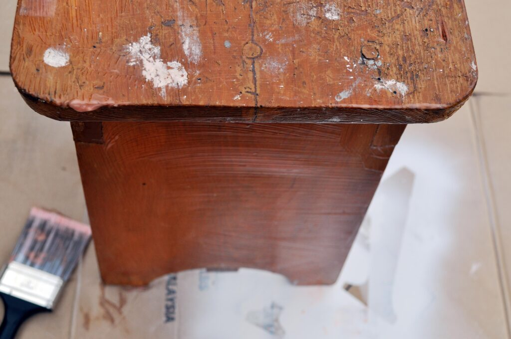 Repainting Old Wooden Furniture