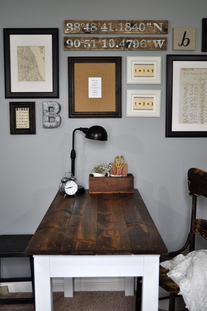 Farmhouse Desk Makeover. 3
