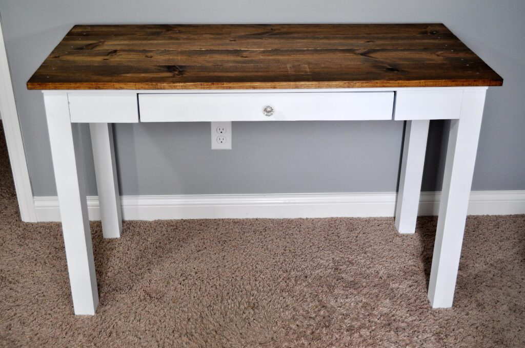 Farmhouse Desk Makeover. 5