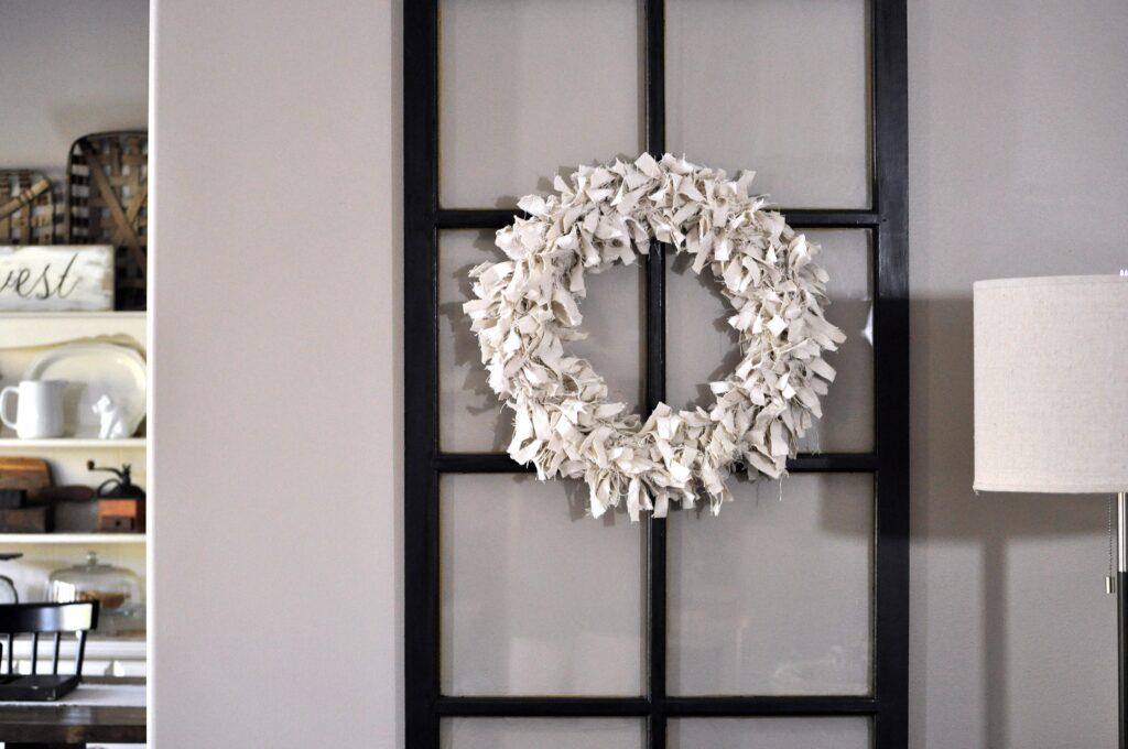 Farmhouse Fall Home Tours. DIY Wreath.