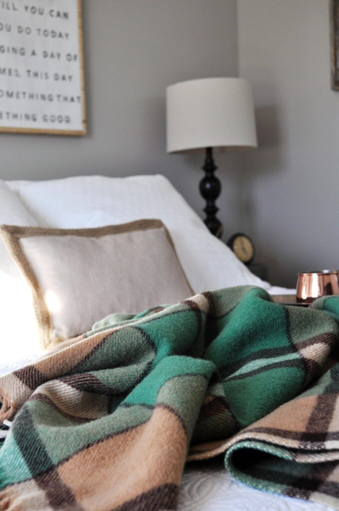 Farmhouse Fall Tour of Homes. Green Blanket.