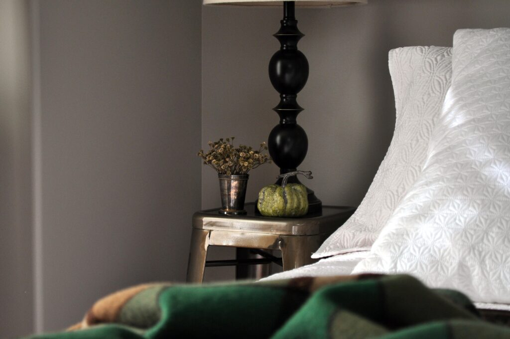 Farmhouse Fall Tour of Homes. Guest Bedroom.
