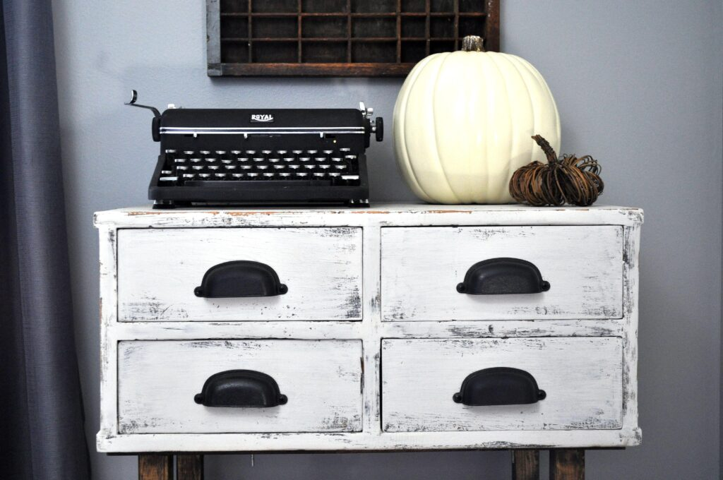 Farmhouse Fall Tour of Homes. Office Pumpkins.