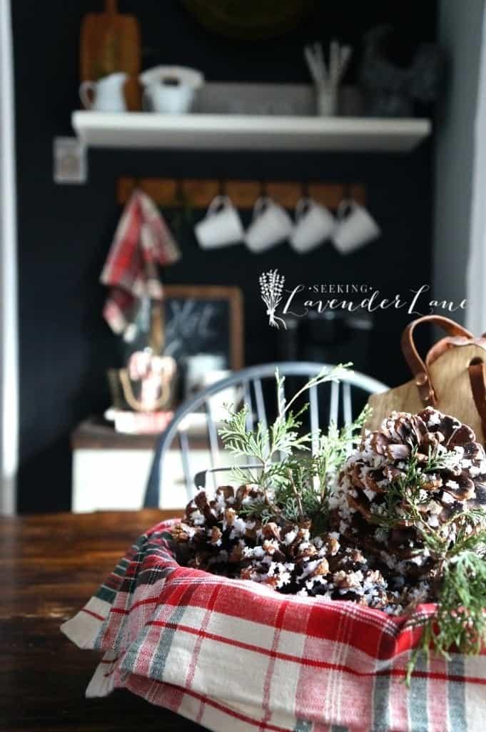 5 Amazing Christmas Home Tours & BWT #8