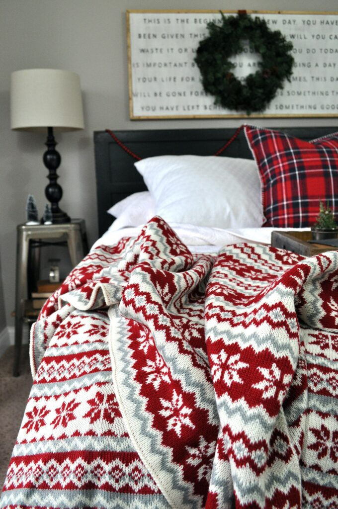 Farmhouse Chrismas Home Tour. Blanket