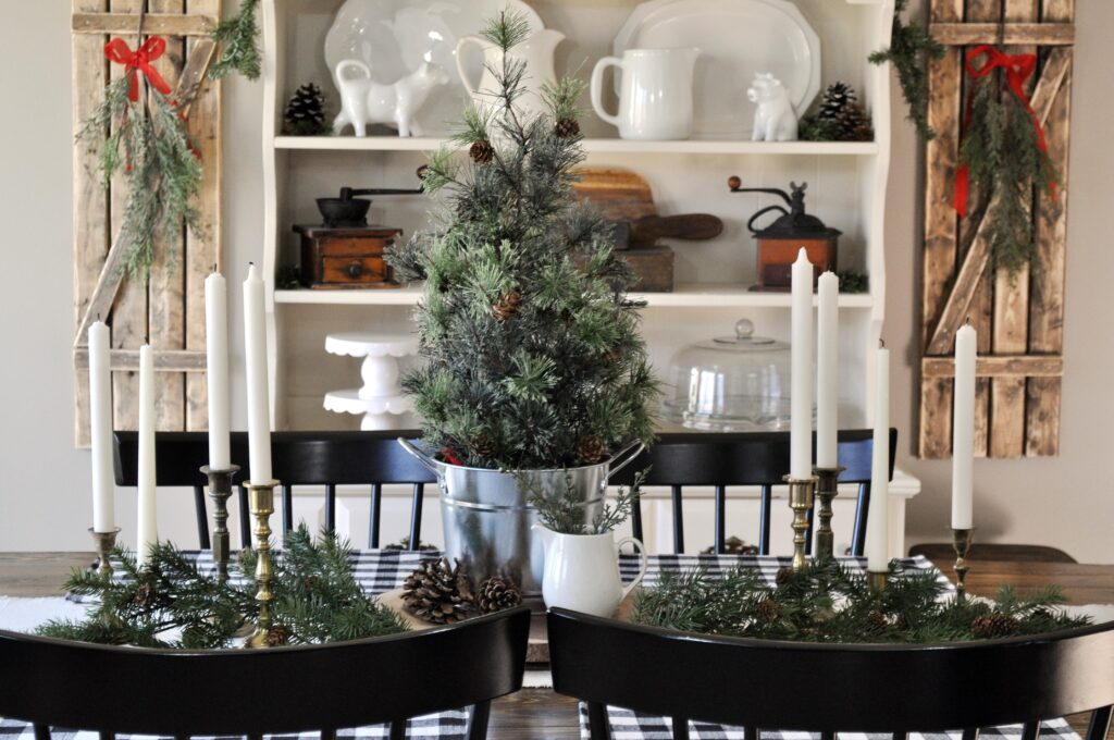 Farmhouse Christmas Home Tour. Dining Table
