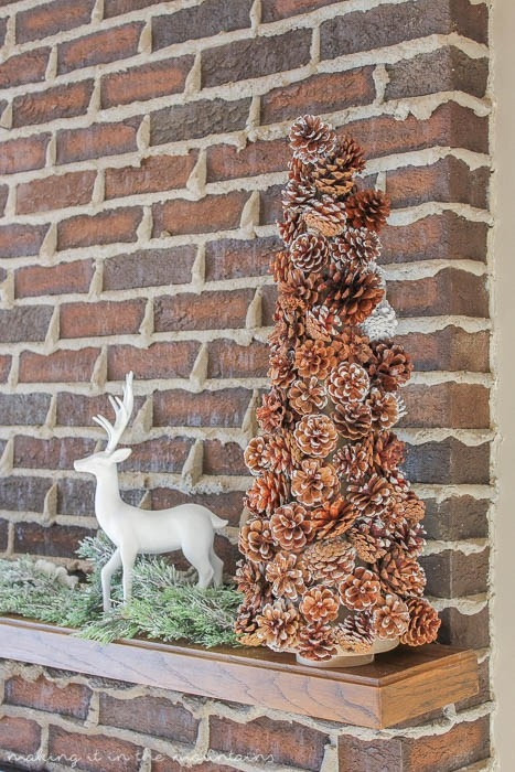 Making it in the Mountains_DIY Pinecone Christmas Tree