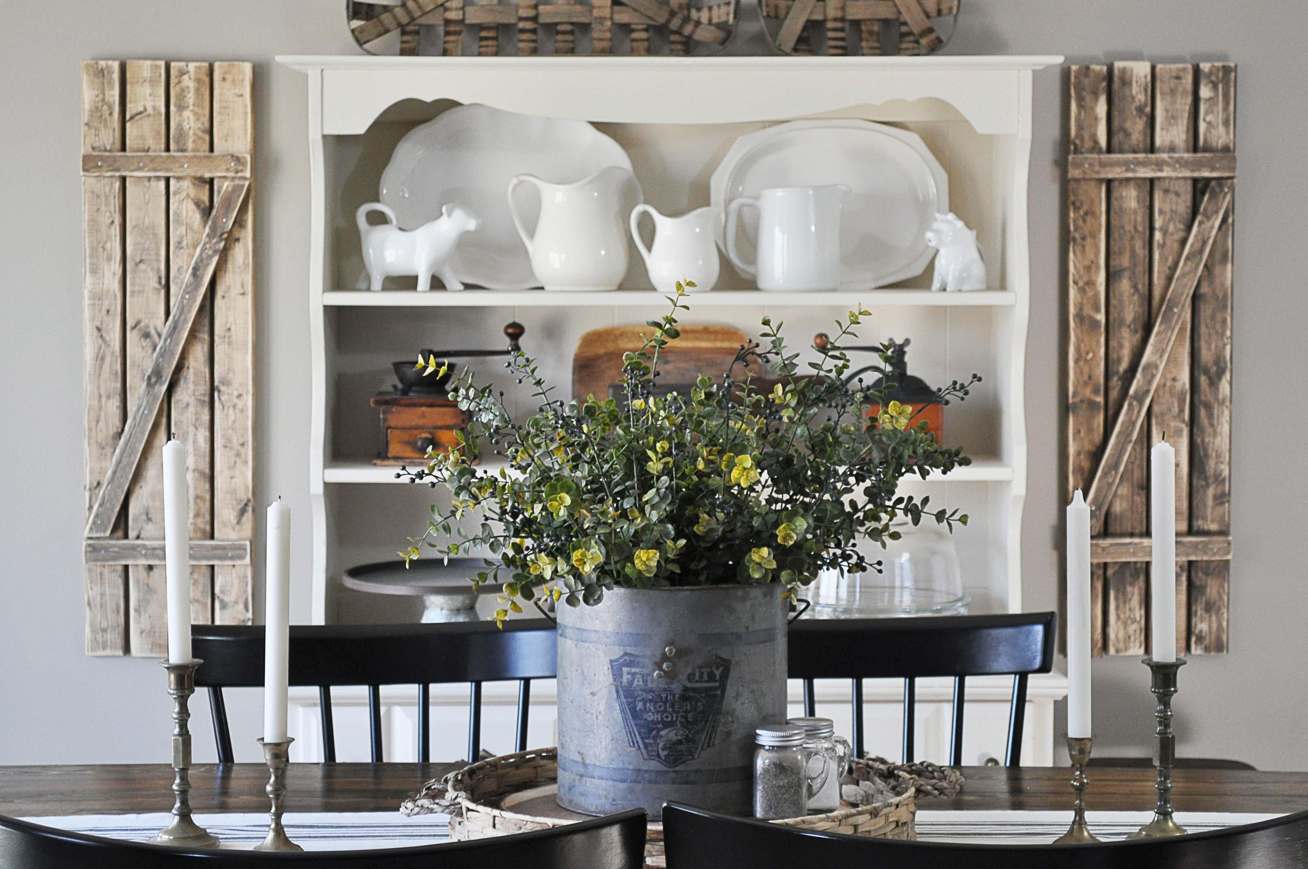 farmhouse dining room - little glass jar