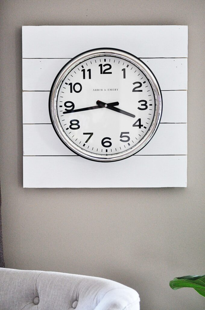 DIY Planked Clock.Planked Clock