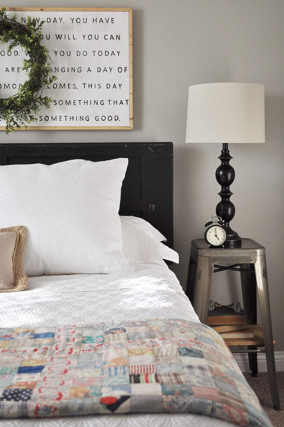 Farmhouse Guest Bedroom via littleglassjar.com