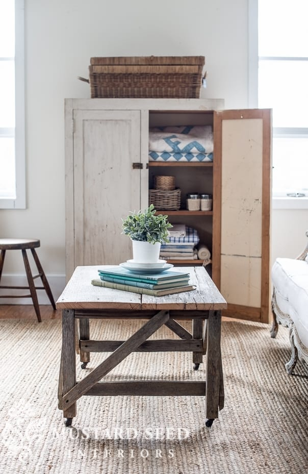 Favorite Farmhouse Style Blogs - Little Glass Jar