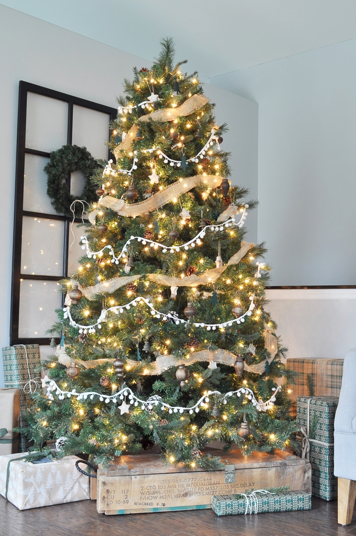neutral rustic christmas tree - Beautifully Decorated Christmas Tree Images