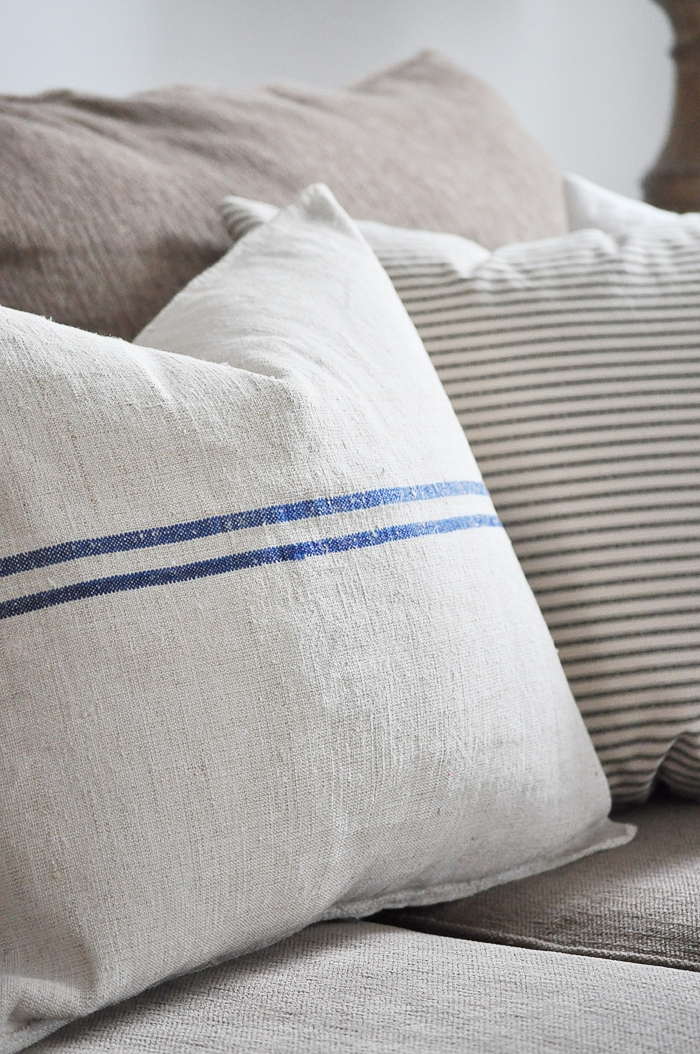 No Sew Grain Sack Pillows