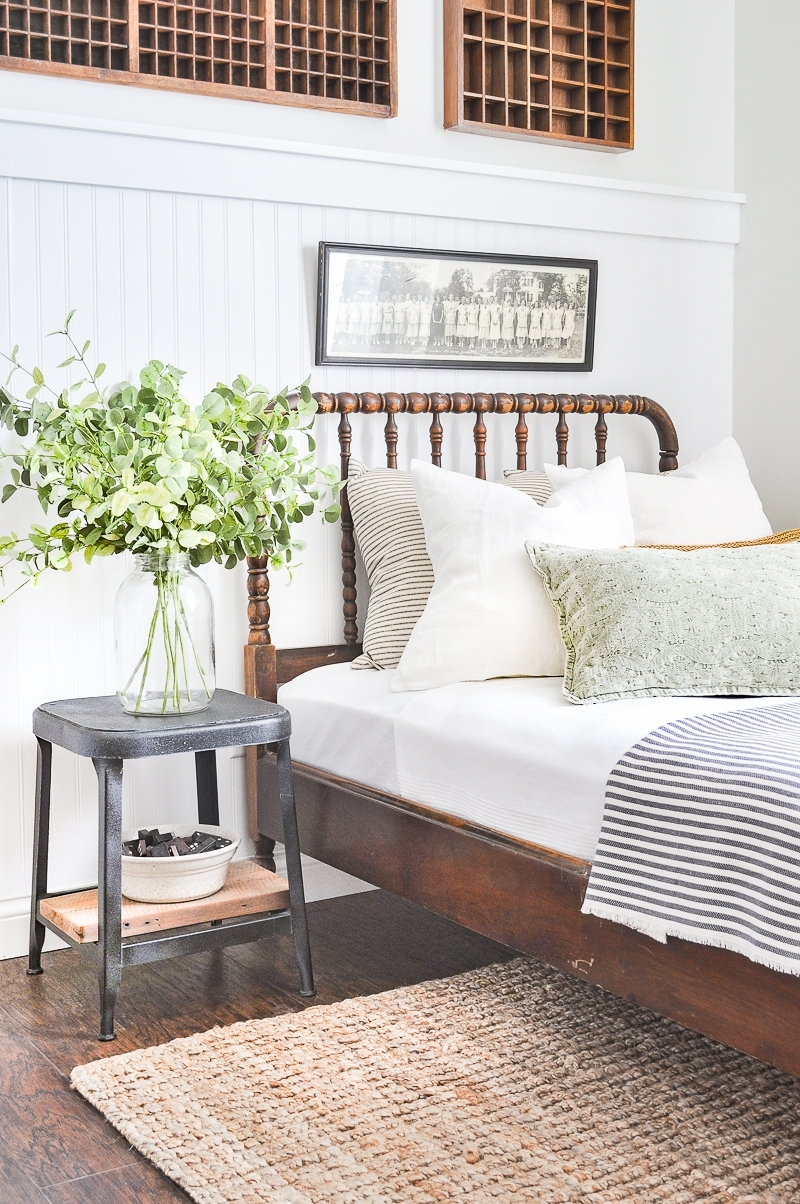 Summer Colors Tour - green in the guest bedroom