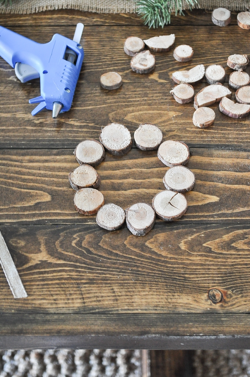 DIY Wood Slice Wreath Ornament