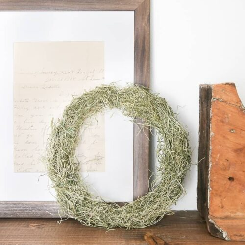 DIY Mini Spring Moss Wreath