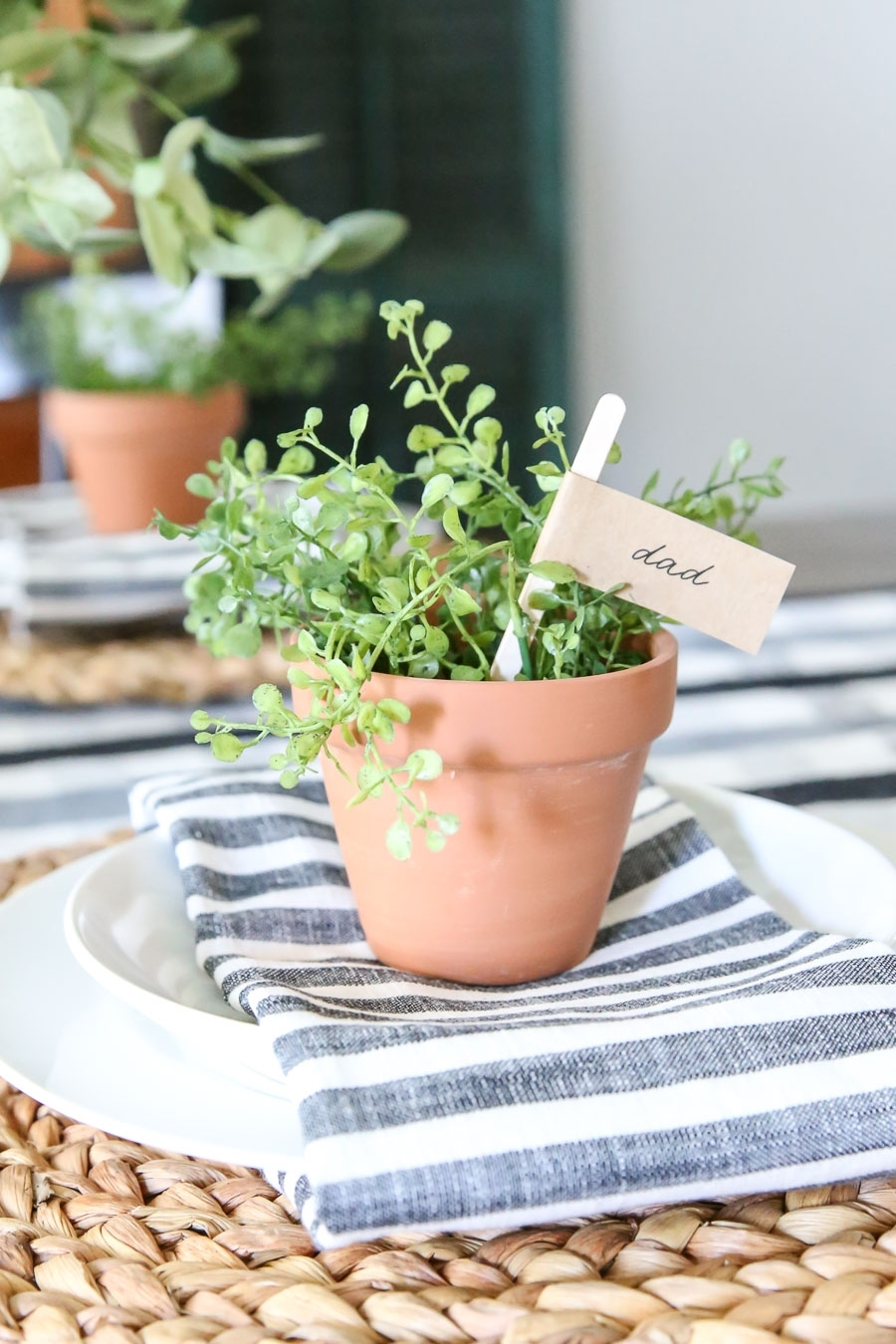Three Spring Tablescape Place Card Ideas