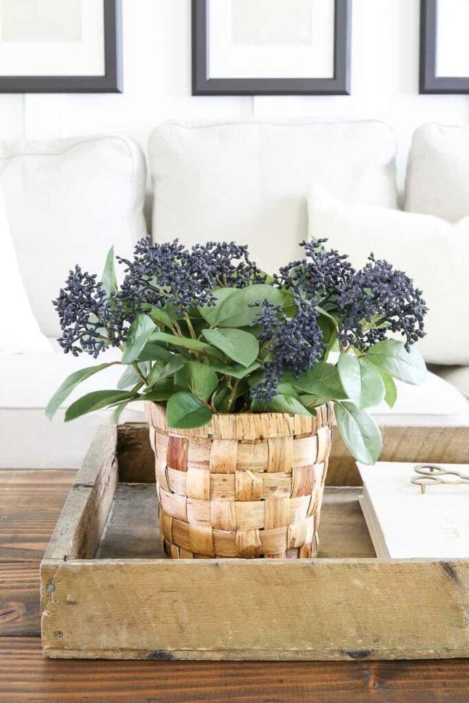 A Simple Faux Flower Arrangement