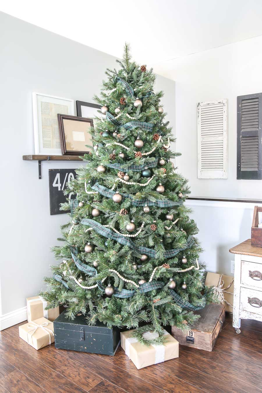 Green and Gold Plaid Christmas Tree