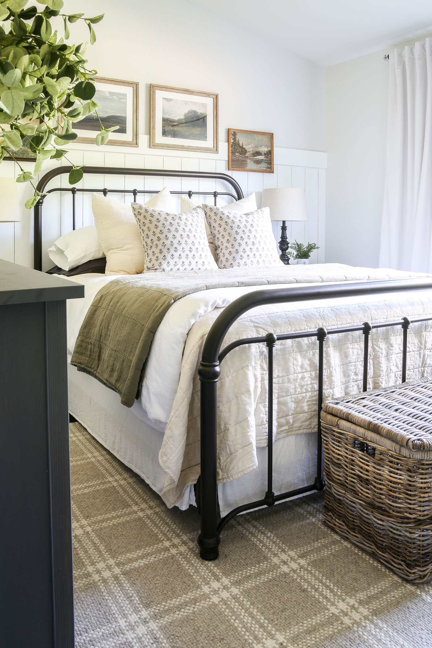 Cozy Vintage Master Bedroom Makeover